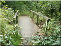 ST3092 : Wooden footbridge near Llantarnam Park Way, Cwmbran by Jaggery