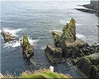 HU4014 : Twin Pinnacles by Derek Mayes