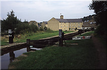 SE1115 : Huddersfield Narrow Canal, Milnsbridge by Chris Allen