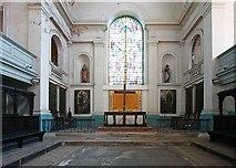TQ3382 : St Leonard, Shoreditch High Street, Shoreditch - Chancel by John Salmon