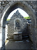 L9802 : Altar of Teampall Chaomháin; Inis Oírr by louise price