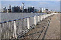 TQ3880 : Thames Path by the Millennium Dome by Philip Halling