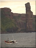HY1700 : Shalimar off the Old Man of Hoy by Ian Paterson