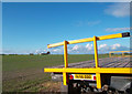 SU4689 : Big Field, Yellow Trailer by Des Blenkinsopp