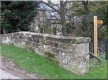 SE7296 : YNR 633, bridge identifier by Pauline E