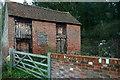 SU9687 : Barn on Kiln Lane by Graham Horn