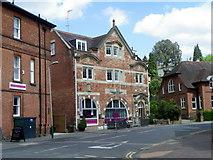 TQ5838 : The Brew House Hotel, Tunbridge Wells by Maigheach-gheal
