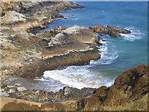 NB5350 : Shoreline at Bun Abhainn na Cloich by Robert W Watt