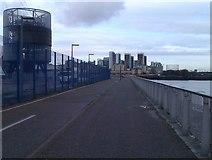 TQ3980 : Walkway between Thames and O2 Arena by David Martin