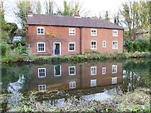SU4828 : Cottages by the disused canal in Winchester by Shazz
