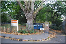 TQ3165 : Entrance to Wandle Park by N Chadwick