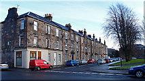 NS4075 : Knoxland Square, Dumbarton by wfmillar