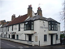 TQ1667 : Ye Olde Swan, Thames Ditton by Colin Smith