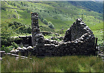 SH6554 : Ruined building below Craig Penlan by Trevor Littlewood