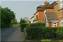 TQ3245 : Scott's Hill  by Ian Capper