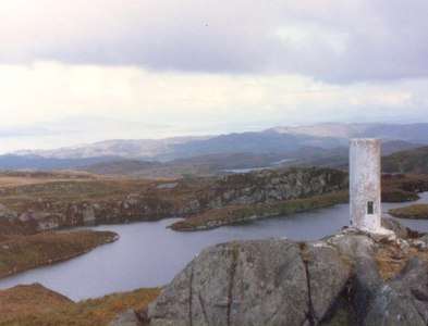 NR7680 : Corr Bhan trig point by Roger Templeman