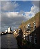 TA1029 : River Hull from New North Bridge by Derek Harper