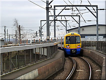 TQ2182 : Leaving for Clapham Junction by Alan Murray-Rust