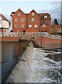 SO8832 : Abbey Mill and flood control sluice, Tewkesbury by Chris Allen