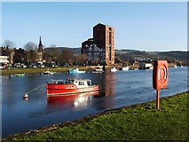 NS3975 : The River Leven at Dumbarton by Lairich Rig