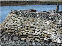 NR6880 : End of Keills jetty by Bob Jones
