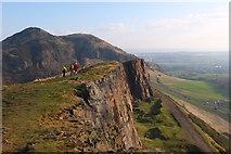 NT2673 : Salisbury Crags and Arthur's Seat, Edinburgh by Jim Barton