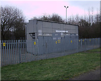 SU1686 : Electricity sub-station, Green Road by Vieve Forward
