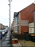 ST3288 : Writing on a wall of a Duckpool Road house, Newport by Jaggery