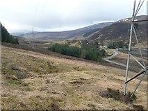 NN7854 : Pylon above Loch Kinardochy by Russel Wills