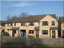SK8975 : Houses on The Sidings, Saxilby by JThomas