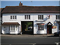 SP1565 : 167 High Street, entry and off-licence by Robin Stott