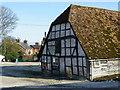 SU2741 : Barn, Grateley by Maigheach-gheal