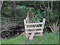 SO2728 : Bridge over Afon Honddu by Hugh Venables