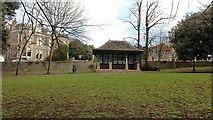 ST3162 : Shelter, Grove Park by Bob Embleton