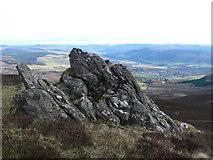 NN9462 : Rocky outcrop by Liz Gray