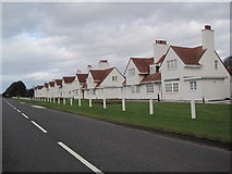NS2006 : Golfer's Lodges, Turnberry by Les Hull