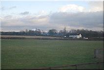 SP9122 : Farmland near Grove by N Chadwick