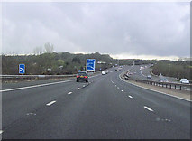 SU5407 : M27 approaching junction 9 slip road westbound by John Firth