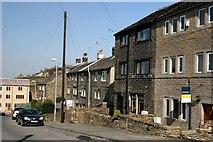 SE1407 : Housing in Gully by Graham Hogg