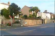 SH4862 : South Road (Lon Parc) houses, Caernarfon by Jaggery