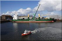 NJ9505 : Vessels in Aberdeen harbour by Mike Pennington