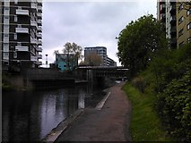 TQ3681 : Flats on Carr Street, viewed from the Regent's Canal by Robert Lamb
