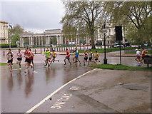 TQ2879 : 5km run in Hyde Park by David Hawgood