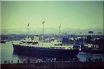 NJ9605 : Britannia Entering Aberdeen by Colin Smith