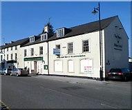 SH4862 : Closed hotel and pub, Bangor Street, Caernarfon by Jaggery