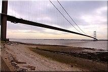 TA0225 : The Humber Bridge from the Hessle foreshore by Steve Daniels