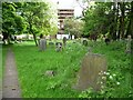 SP1584 : St Giles churchyard by Christine Johnstone