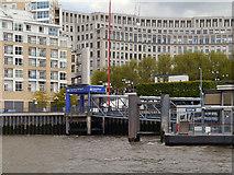 TQ3680 : River Thames, Canary Wharf Pier by David Dixon