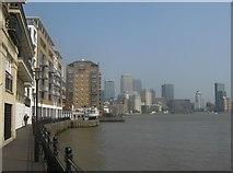 TQ3680 : Thames Path near Old Sun Wharf, Limehouse by David Anstiss