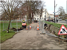 SP3165 : Linden Walk: the arches are coming! by Robin Stott